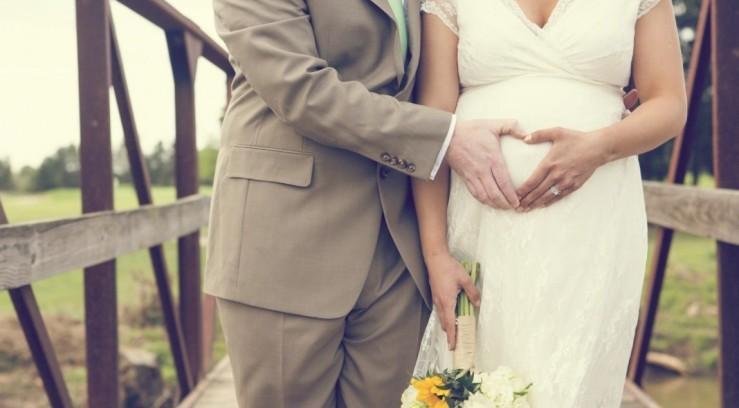 Невеста на свадьбе сказала что беременна 99