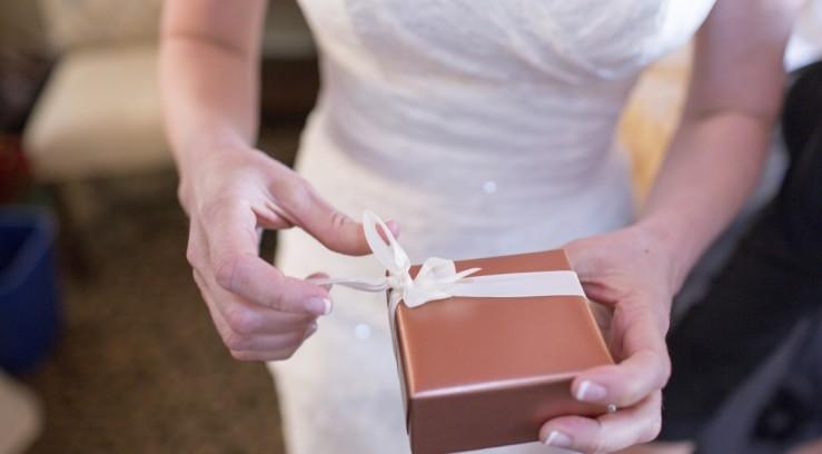Хорошие подарки на свадьбу 18