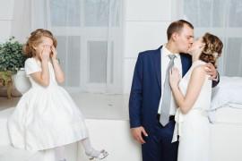 Семейный треугольник: невеста с ребёнком и жених