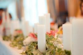 Свечи в оформлении свадебного банкета